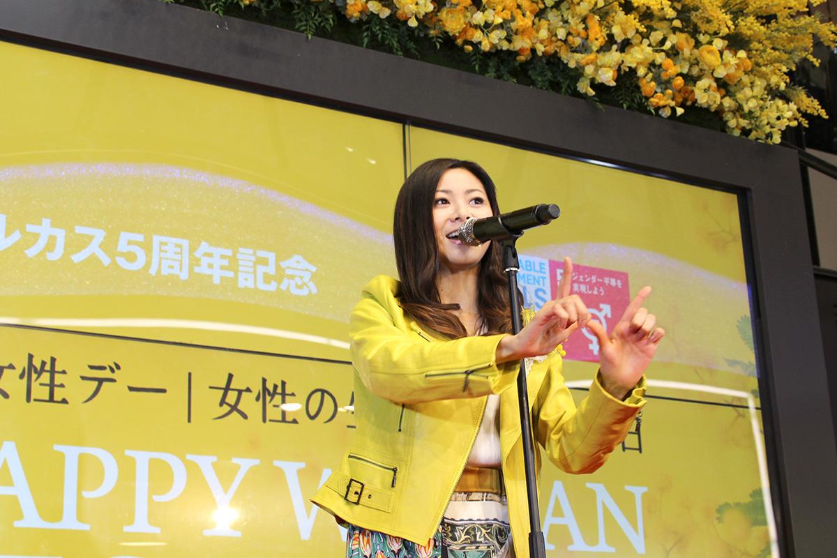 【開催レポート】倉木麻衣・ HAPPYミニライブ|HAPPY WOMAN FESTA OSAKA 2019|あべのハルカス