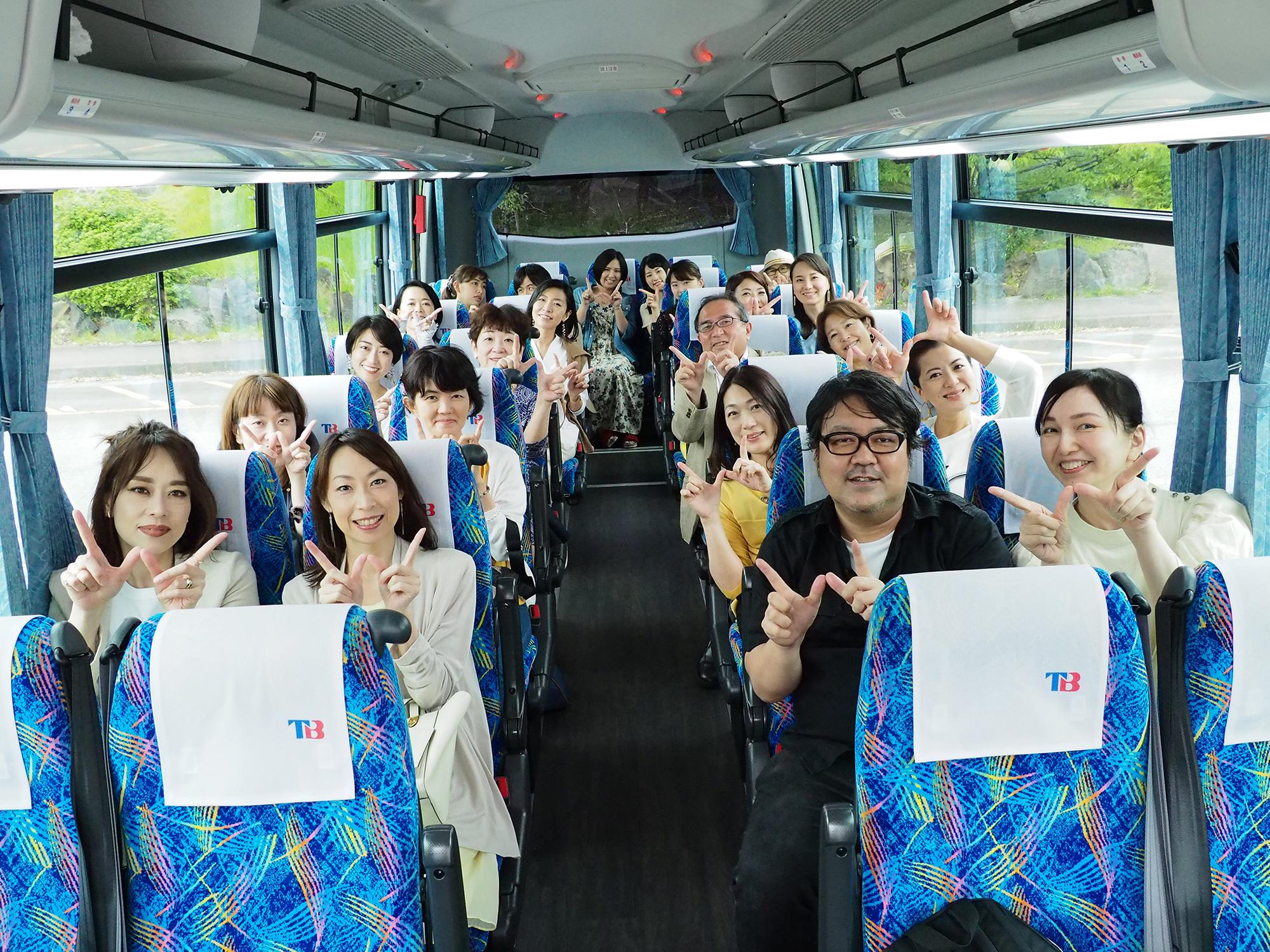 観光バス出発前