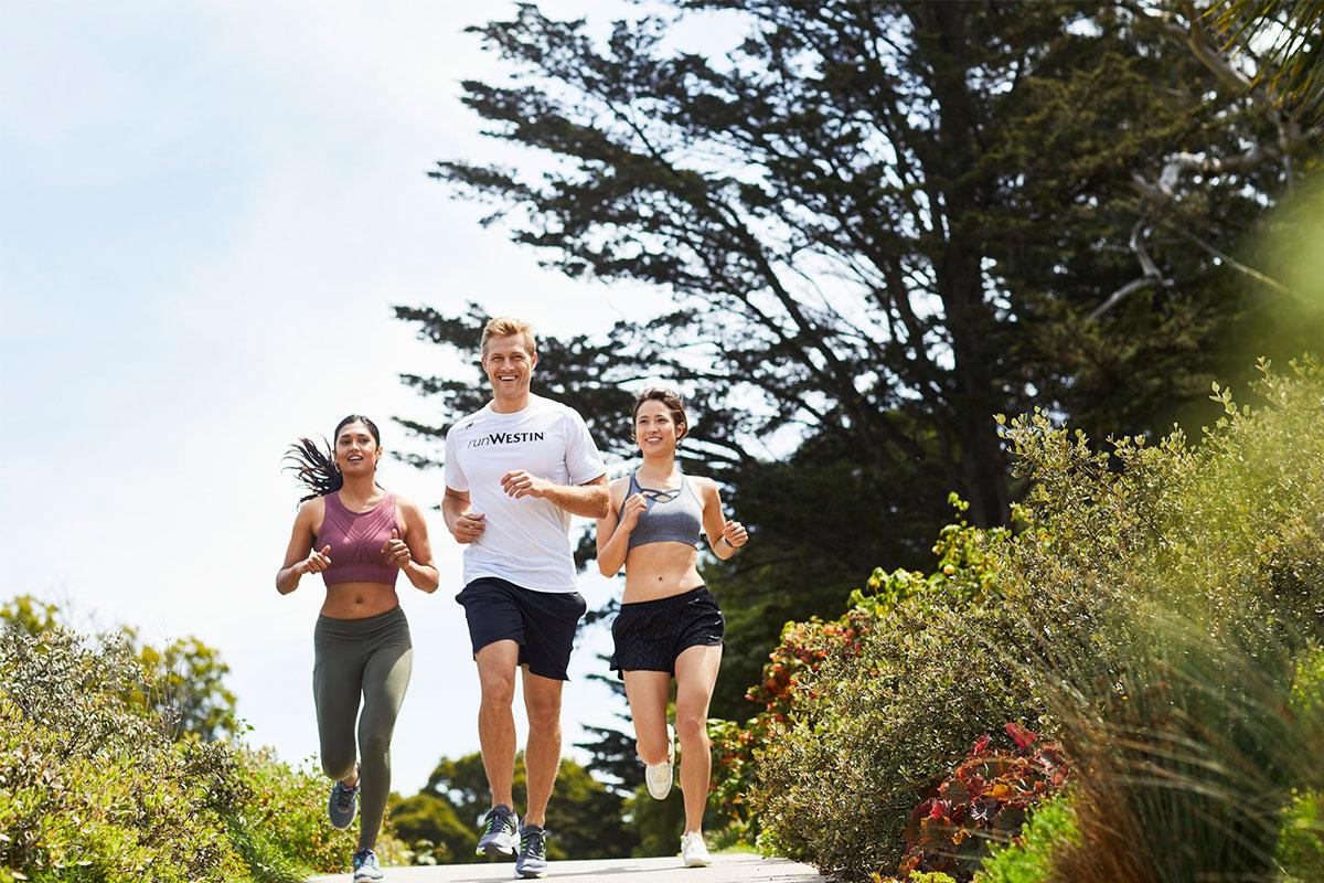 <MOVE WELL & EAT WELL> Let's Riseランニング withランコンシェルジュ & フレッシュフルーツとハーブのドリンクメイキング